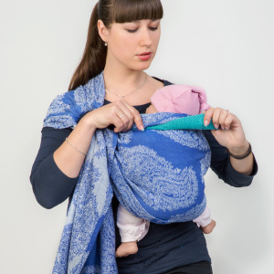 Making a Head Support in a Ring Sling